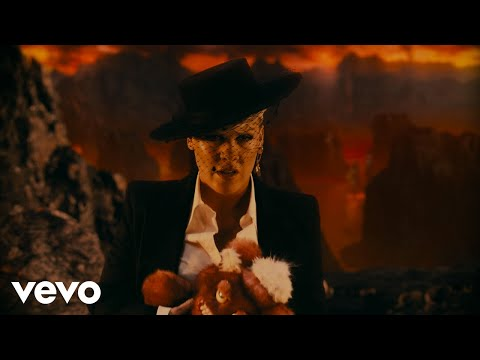 P!NK - All I Know So Far (Extended Version) MQ quality image