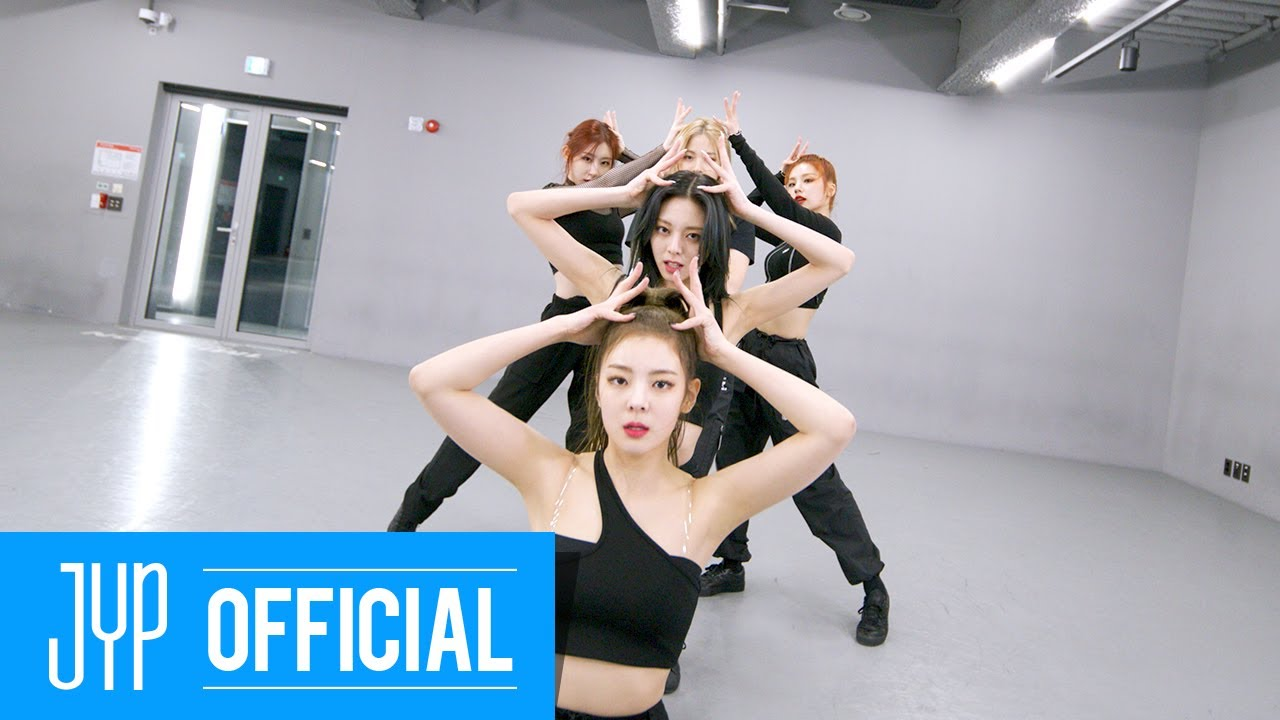 ITZY ... In the morning Dance Practice (Moving Ver.) HD quality image