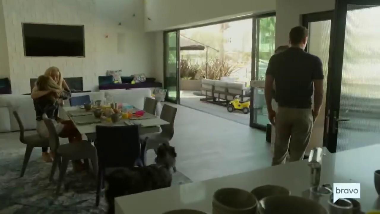 Dirty John - S01E06 - One Shoe HD quality image