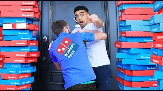 PRANKING Pizza Delivery Men Then TIPPING Them Screenshot