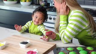 Kylie Jenner: Grinch Cupcakes with Stormi MD quality image